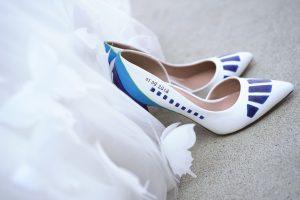 Сватбена рокля и обувки. Феерия от бяло и синьо.