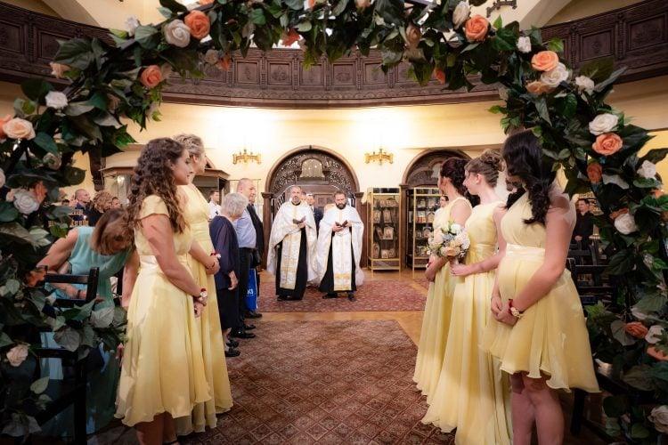 """Храм """"Св. Параскева"""" за Вашата сватба"""