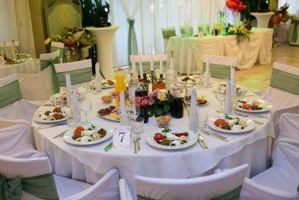 masa-za-gosti-na-svatba