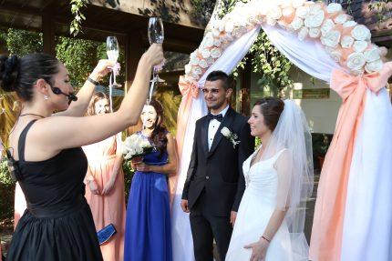 svatbeno-shampansko-nazdravica