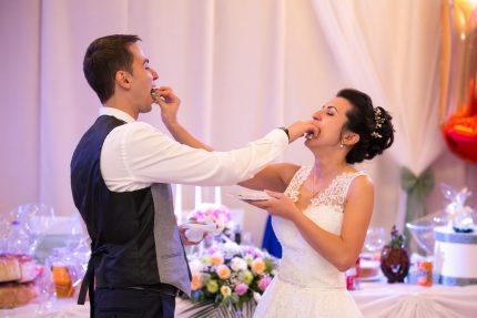zahranvane-sys-svatbena-torta